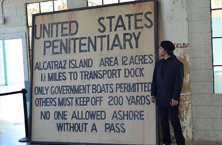 gregory_abbott_alcatraz_art_sign