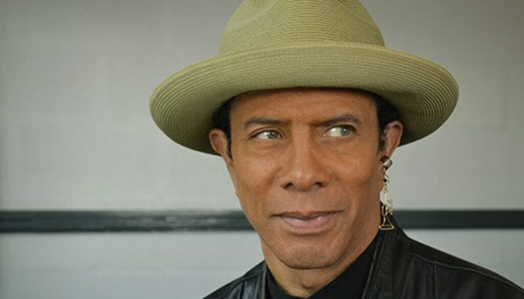 gregory abbott dressing room1